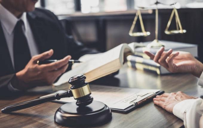 Porque há tantos advogados no Brasil?